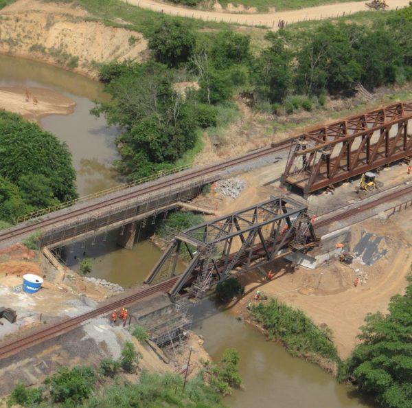 Ponte-sobre-Rio-Santa-Joana-Brasil (2)